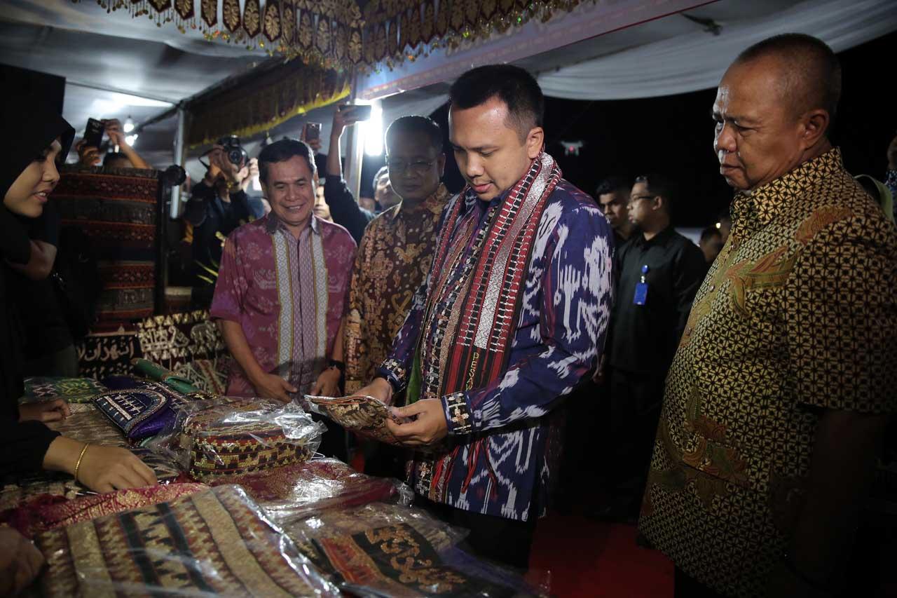 Gubernur Lampung - Ridho Ficardo - Tapis Evolution - Gede Setiyana - 1