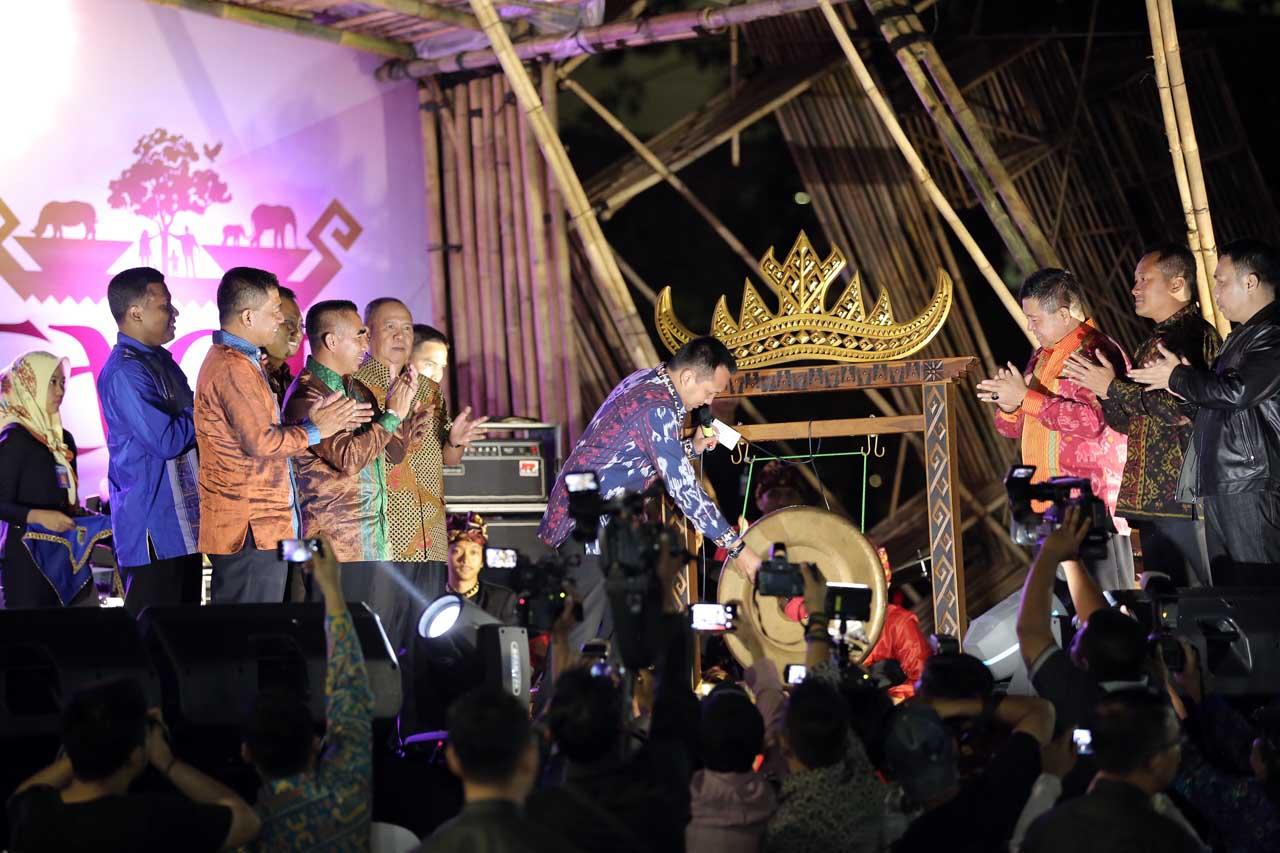 Gubernur Lampung - Ridho Ficardo - Tapis Evolution - Gede Setiyana - 2