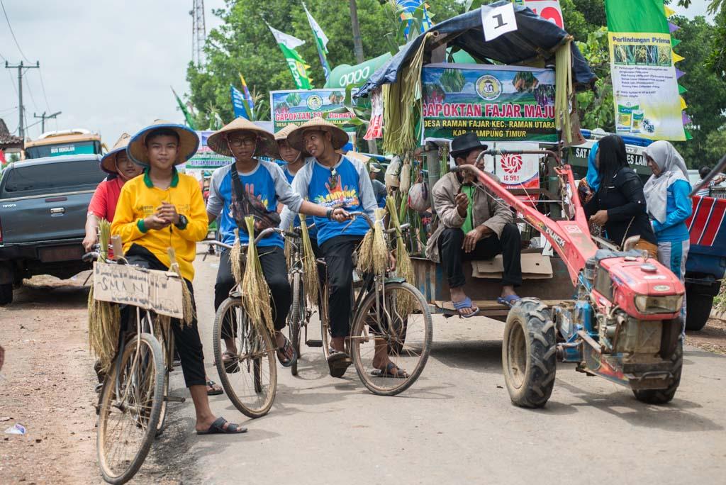 Festival Panen Padi - Wisata Lampung Timur - Raiyani Muharramah - raiyani.net - 2