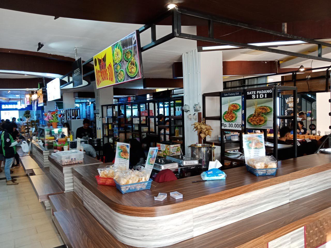 Lotus Food Hall - tempat makan enak di bandar lampung - yopie pangkey - 1
