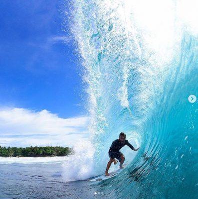 foto ujung bocor surfing spot - lokasi krui pro - @amysumatra -
