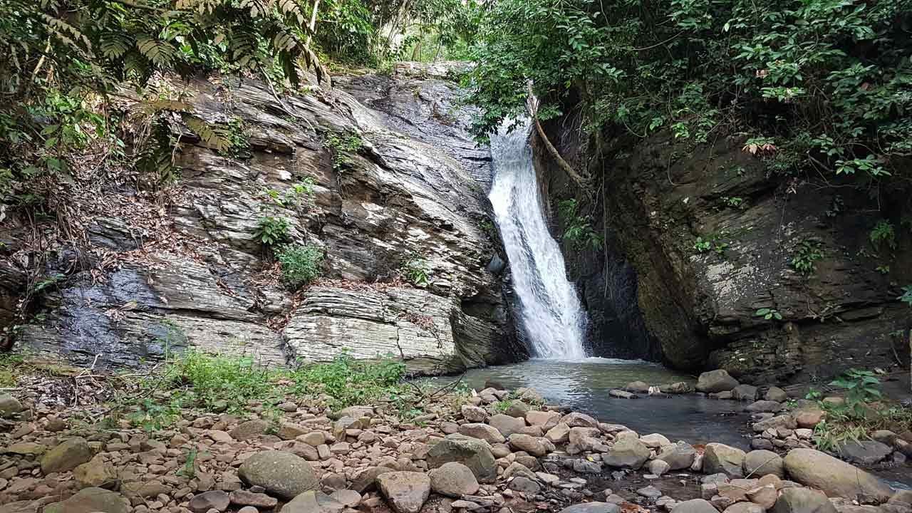 Air Terjun Merai - air terjun di lampura - Yandigsa
