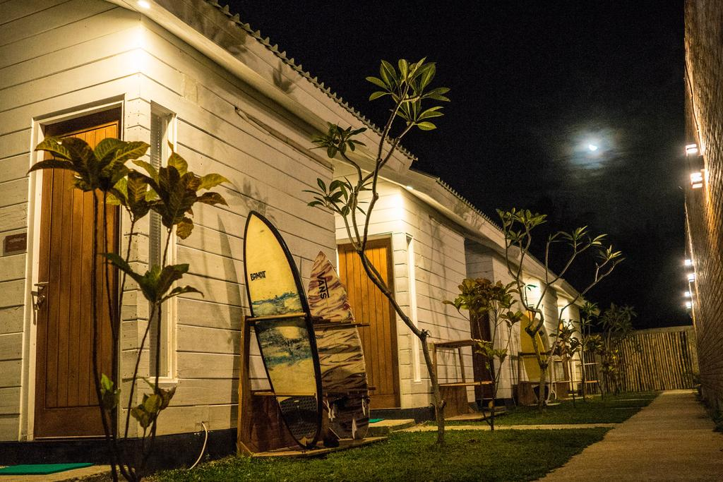 Cabana Surf and Stay - Hotel di Krui