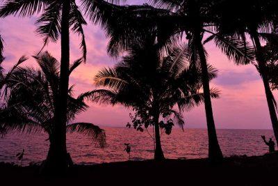 Foto sunset senja di Pulau Maitem - Pulau Cantik di Lampung - Yopie Pangkey - 2