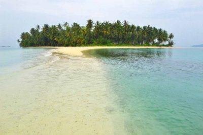 Pantai Mahitam - Pulau Cantik di Lampung - Yopie Pangkey - 11