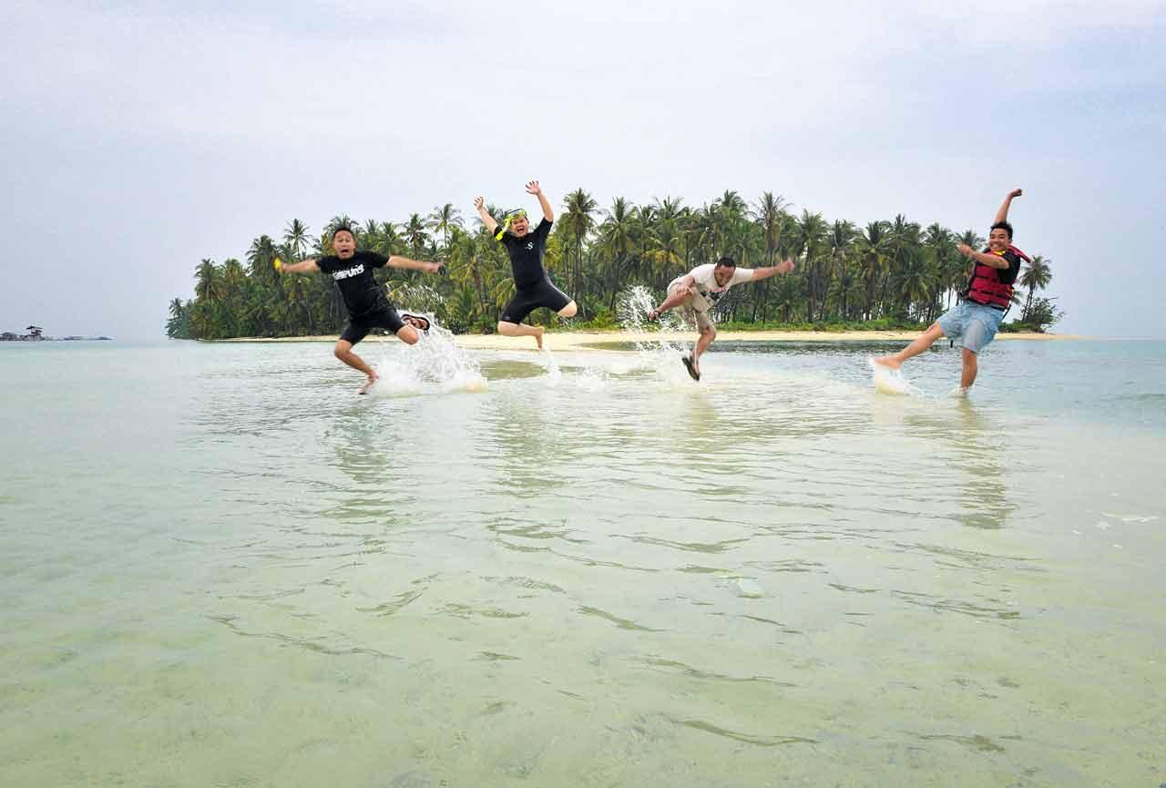 Pulau Mahitam - Pulau Cantik di Lampung - Yopie Pangkey - 10