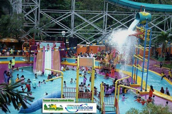 Water Boom - Taman Wisata Lembah Hijau