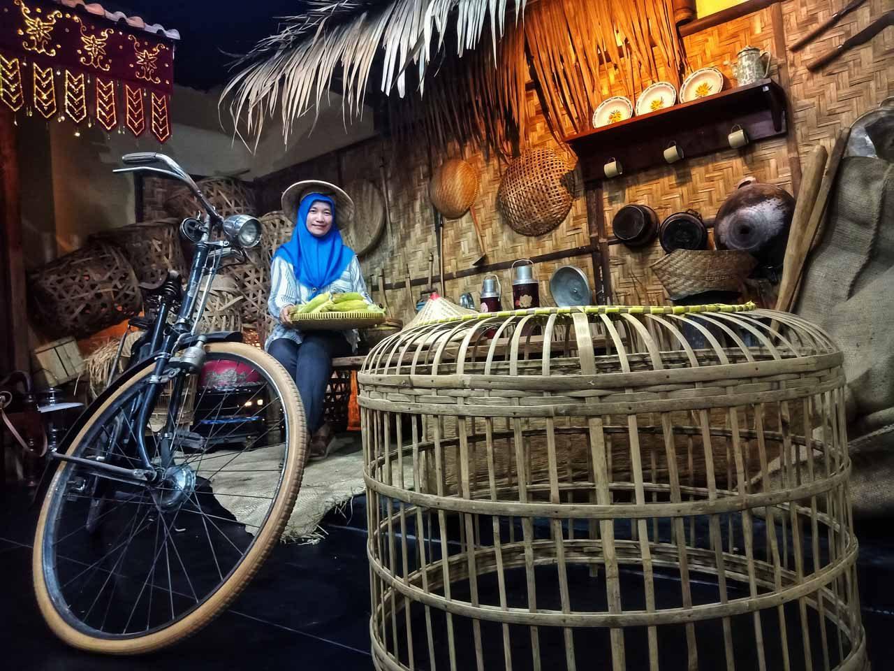 Moto Niku Selfie Park and Studio Vintage - Bandar Lampung - Kelilinglampung - Yopie Pangkey