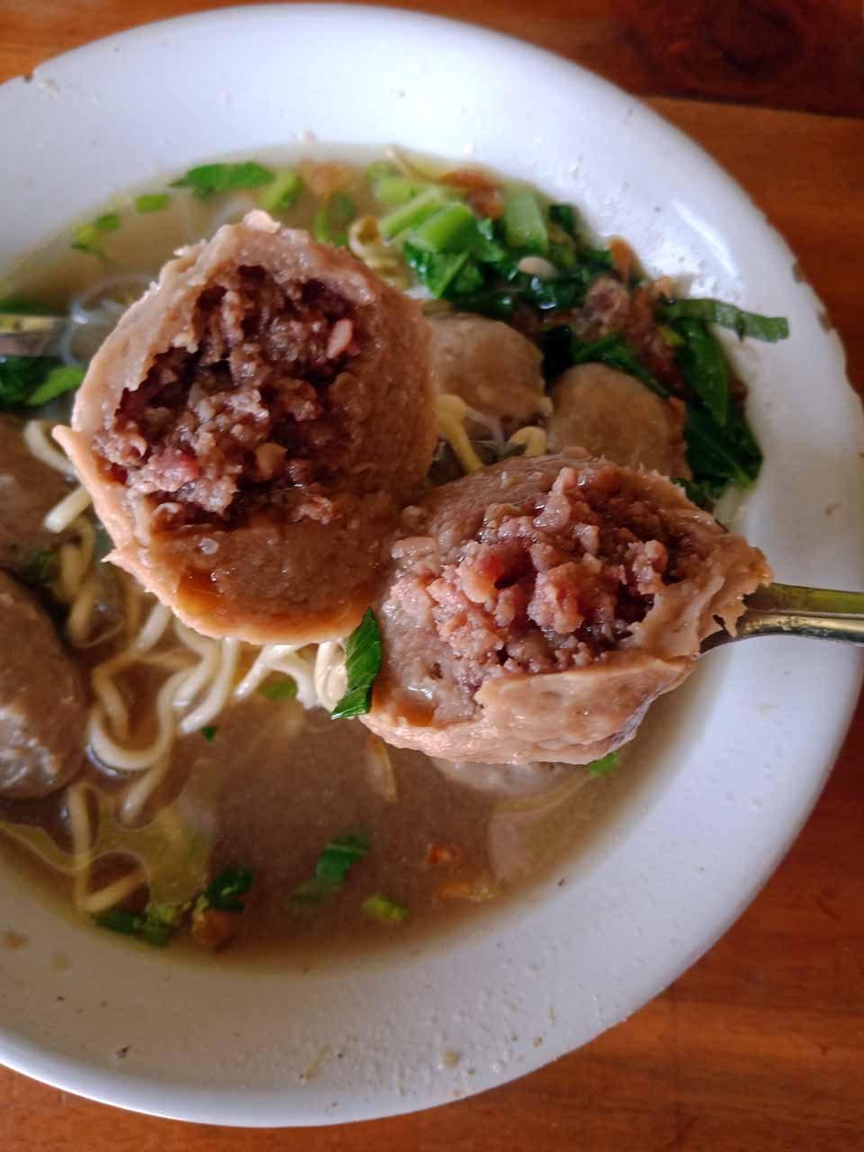 Bakso isi tetelan daging sapi - kelilinglampung - yopie pangkey