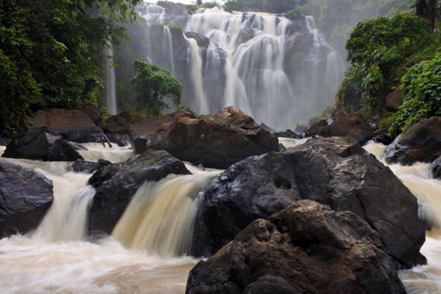 Air Terjun Gangsa - hasil foto Nikon 1 J5 - slowspeed - kelilinglampung.net - yopiefranz