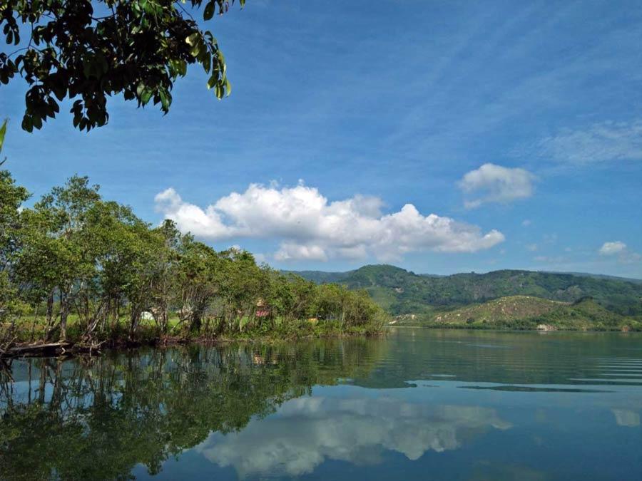 Foto Gambar Danau Asam - Wisata Suoh Lampung Barat - kelilinglampung.net - Rahmwatie  - ramahtraveler - 1