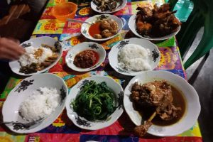 Warung Makan Bu Gundil Pringsewu - kelilinglampung.net - Yopie Pangkey - 1