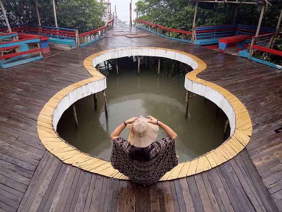 Pantai Dewi Mandapa Pesawaran - vici_adventuree