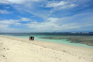 Foto Gambar Pantai Walur Beach - Krui Selatan Pesisir Barat Lampung - kelilinglampung.net - Yopie Pangkey - 1