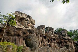 Monumen Megou Pak -Megow Pak - 4 Empat Marga - Tulang Bawang Barat - kelilinglampung.net - Yopie Pangkey - 1