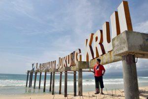 Pantai Labuhan Jukung Krui Pesisir Barat - kelilinglampung.net - Yopie Pangkey - 2