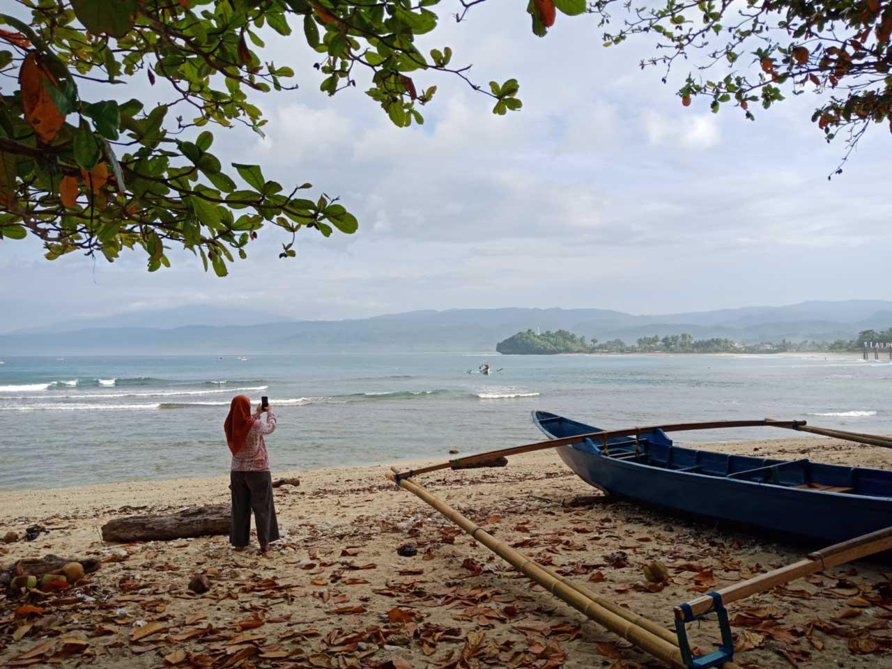 Pantai Labuhan Jukung Krui Pesisir Barat - kelilinglampung.net - Yopie Pangkey - 3
