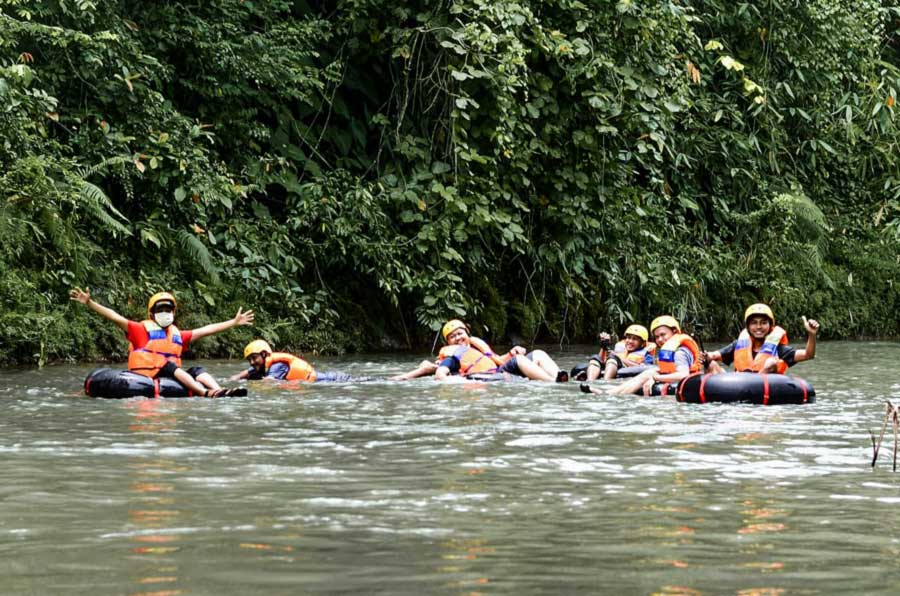 Susur Sungai River Tubing di Sungai Way Biha Pesisir Barat - kelilinglampung.net -  9