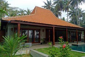 The Surf Villa - Ujung Bocur Pantai Tanjung Setia - Krui Pesisir Barat - Yopie Pangkey - kelilinglampung.net - 1