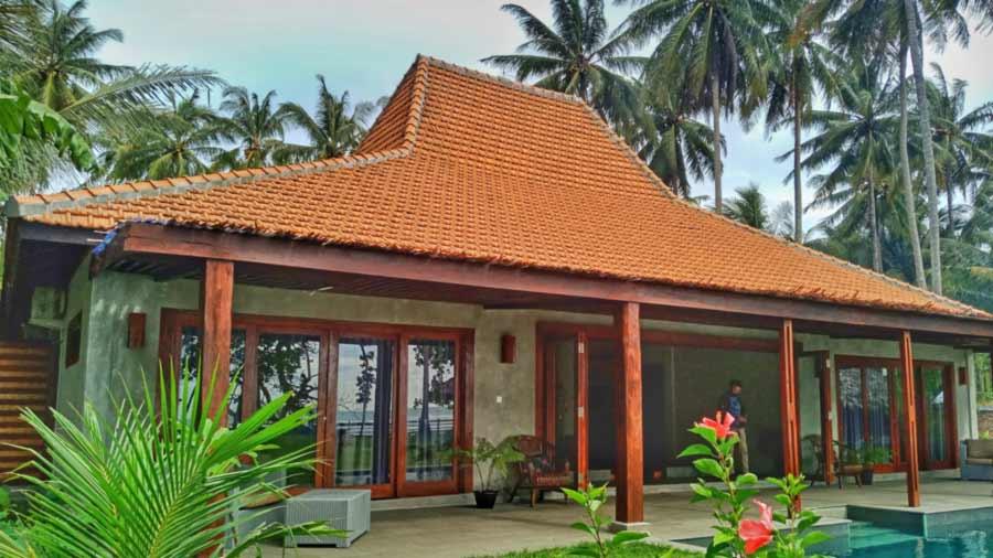 Villa di Krui- The Surf Villa Ujung Bocur Tanjung Setia - Yopie Pangkey - 2