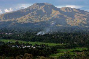 Foto Gambar Gunung Pesagi Lampung Barat - andi_hendri - pariwisata_lampungbarat