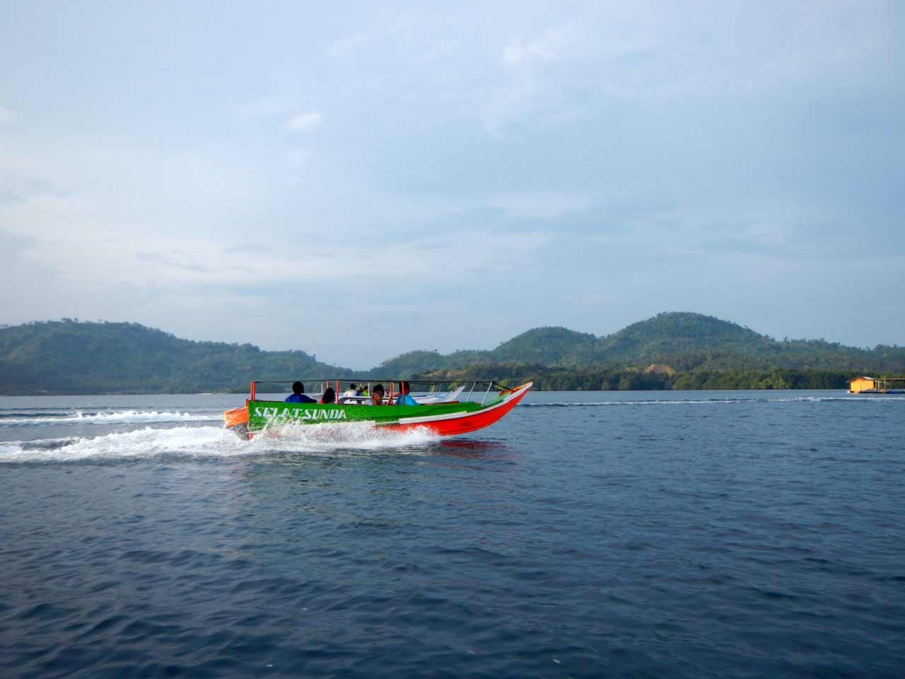 Foto Gambar Speed Boat dari Dermaga Ketapang Pesawaran - kelilinglampung.net - Yopie Pangkey - 4